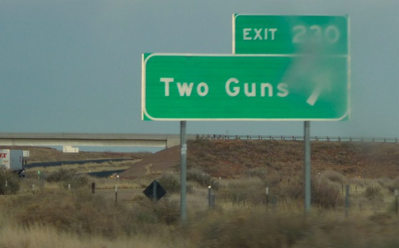 Two Guns, AZ sign